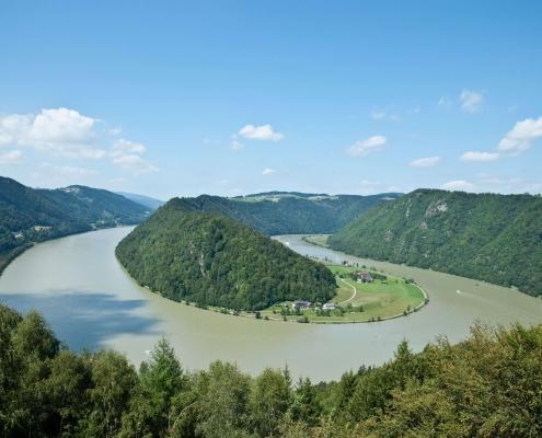 Luxus Charter an der Donau bei DONAU YACHTEN - das exklusive Charter Erlebnis