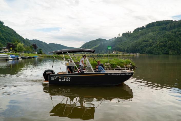Gemeinsame Motorbootausfahrt